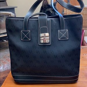 Black Dooney and Bourke handbag